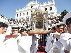 (Photos and Video) Thousands of Greek Orthodox Pilgrims Flock to Tinos for Annual Virgin Mary Commemorations