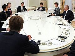 """""""It's important for leading nations like Russia and Great Britain to work together and not against one another."""""""