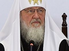 Patriarch Kirill signs public petition for anti-abortion law
