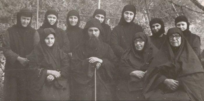 Elder Ephraim with the sisters