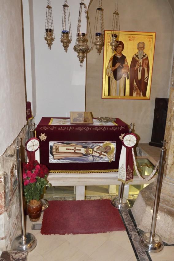 Ковчег с мощами св.Климента Охридского