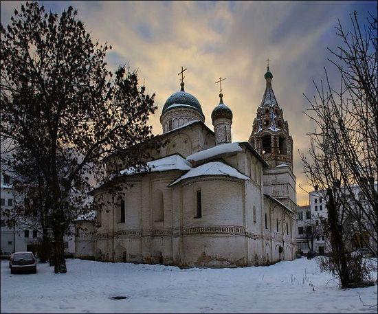 Photo: http://www.potolkimaker.com/