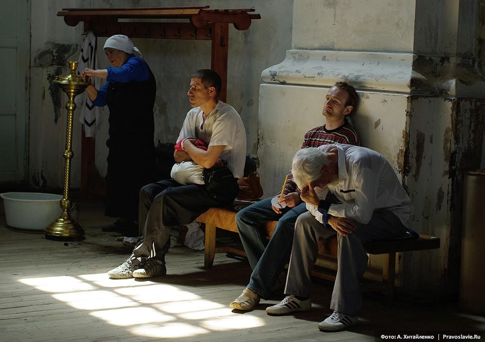 В монастырском храме