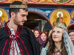Romanian Orthodox Church continues to emphasize traditional family values as marriage rises, divorce falls