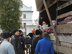 33 tons of humanitarian aid delivered to Svyatogorsk Lavra