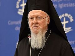 Patriarch Bartholomew emphasizes ecumenical agenda at recent WCC address