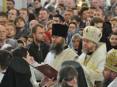 Божественная литургия и благодарственный молебен в новом храме