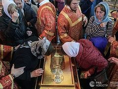 Nearly 1,000,000 have venerated relics of St. Nicholas in Moscow