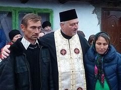 Neamț priest builds house for 9-children family