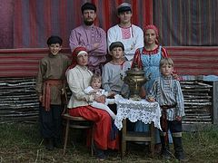 As in Old Russia: Edinoverie Families Today