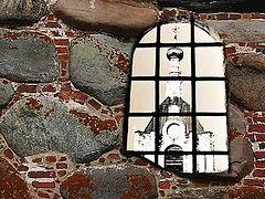 Церкви и тюрьмы