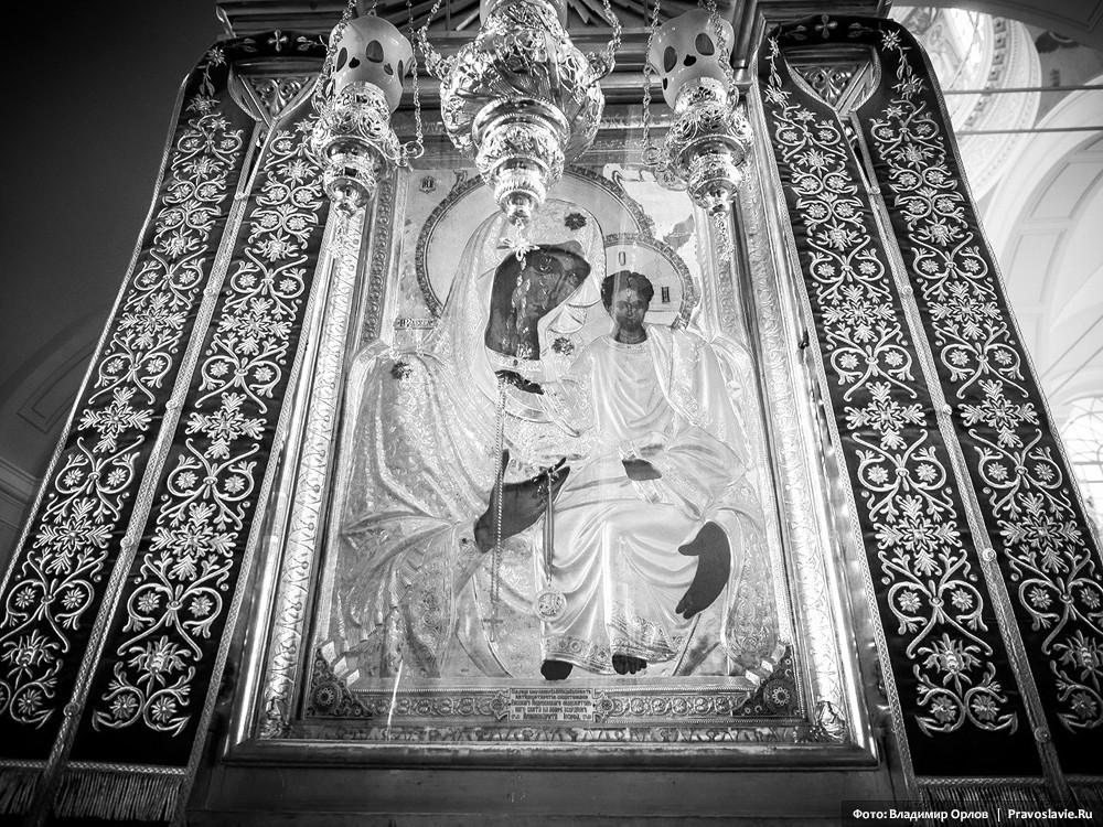 Икона Божией Матери «Элеуса» (Милующая)