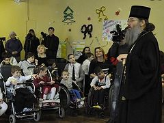 "Metropolitan Luke of Zaporozhye takes care of special-needs children turned away by ""Kiev Patriarchate"""