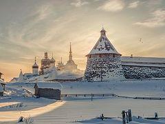 Долг монастыря — нести свет людям