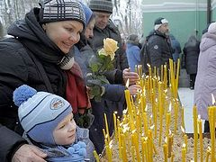 Record snowfall can't prevent St. Petersburg from venerating St. Ksenia's relics on her day