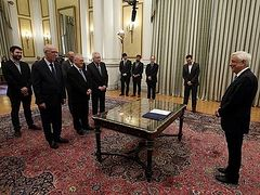 Greek ministers sworn in without Church for first time since founding of Hellenic State