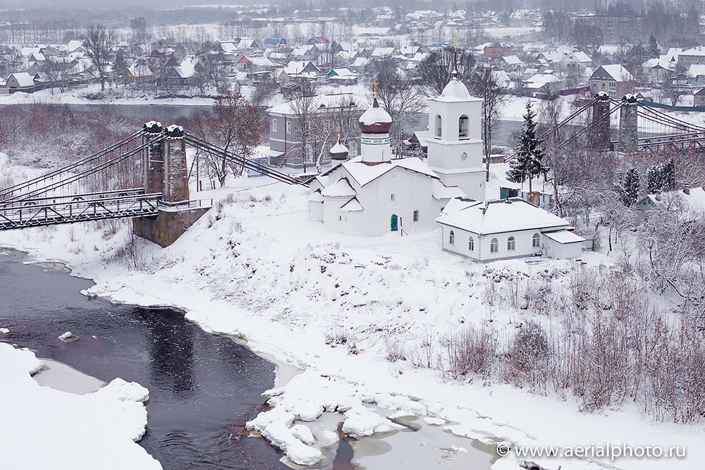 Όστροβ. Ιερός Ναός Αγίου Νικολάου