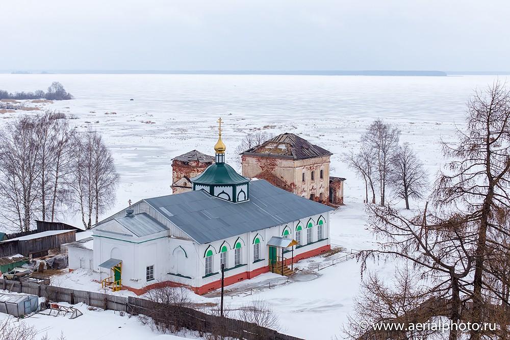 Ιερός Ναός της Αγίας Τριάδος στο Βεσιεγκόνσκ