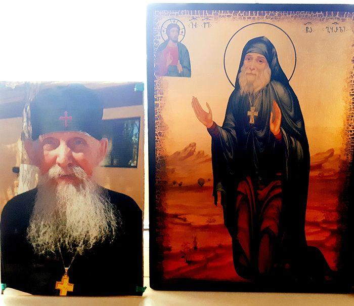 Фотография старца Ефрема и икона преподобного Гавриила