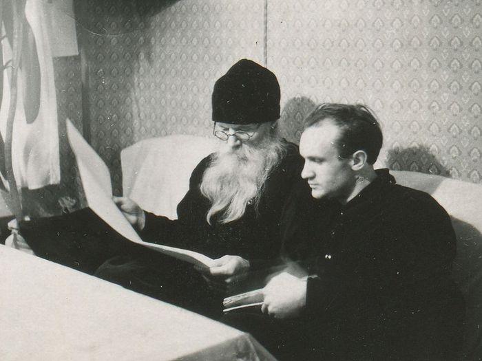 Игумен Никон (Воробьев) и Алексей Осипов