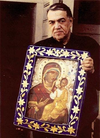 Јосиф Муњоз са Иверском иконом