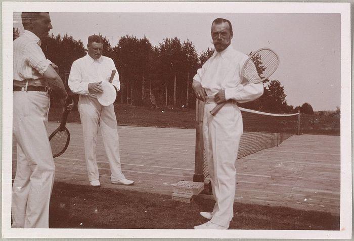 Император Николай Александрович на теннисном корте (1913 г.)