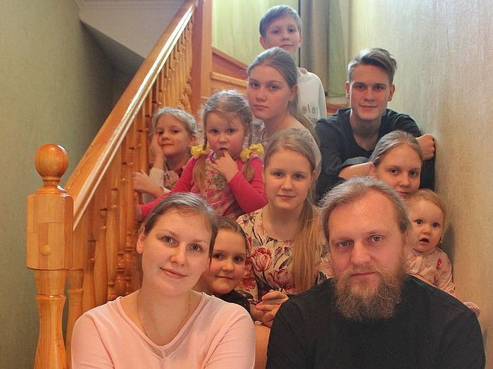 Archpriest Vitaly Tkachev with his family
