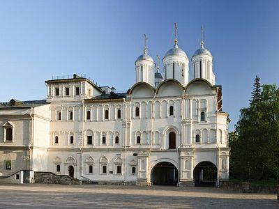 Храм Двенадцати апостолов Московского Кремля открылся для посещения после реконструкции