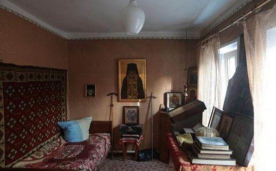 В келье архим. Серафима в Ракитном. Фото с сайта pravlife.org