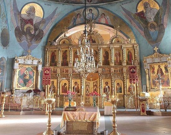 Иконостас Свято-Никольского храма в Ракитном. Фото с сайта pravlife.org