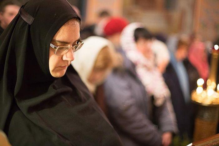 Инокиня Евгения (Сеньчукова) на богослужении. Фото : Пресс-служба Высоко-Петровского монастыря