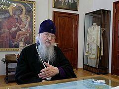 «Первую Литургию начали с панихиды по почившим оптинским старцам»