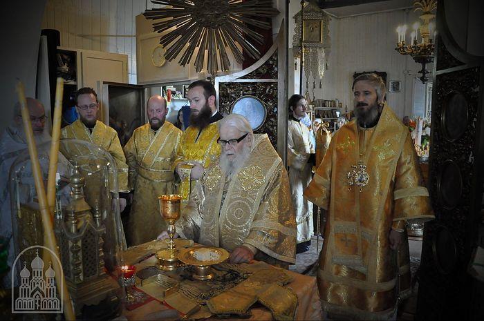 Митрополит Таллинский и всея Эстонии Корнилий, епископ Маардуский Сергий в храме св. Александра Невского в Хаапсалу