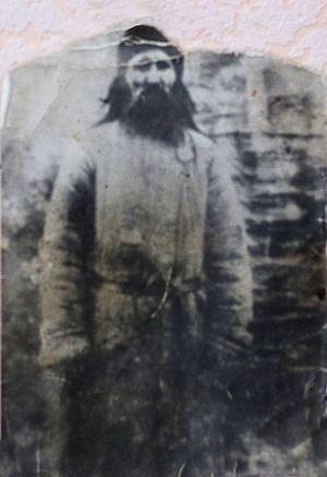Блаженный Петр. Скрывался в пещерах меловых гор. Когда его арестовал НКВД, каким-то образом исчез из камеры. Многим предсказывал будущее