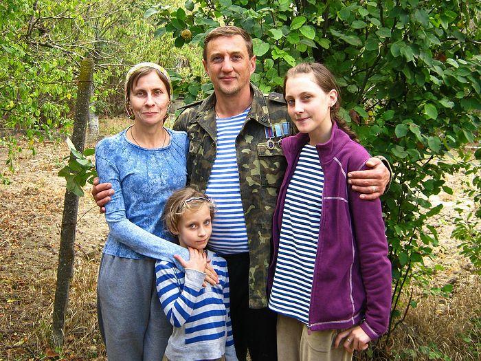 Сергей и Виктория с дочерьми