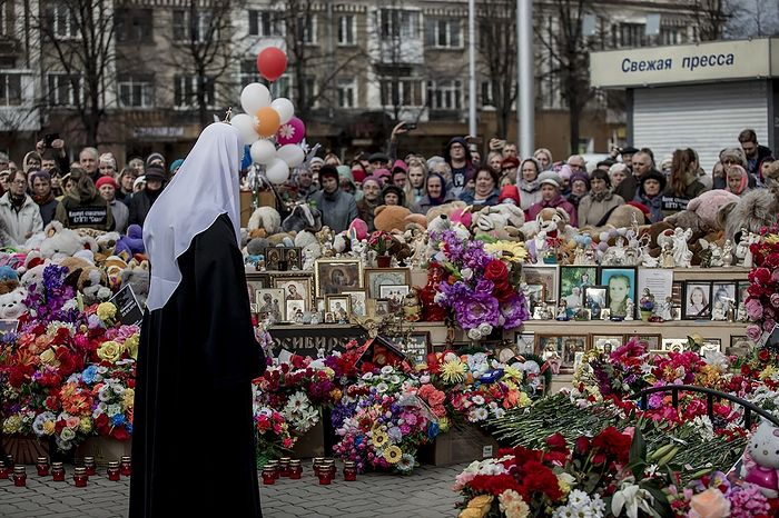 3 мая 2018 г. Сороковой день после пожара в Зимней вишне. Посещение Патриархом места трагедии
