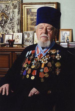 Архидиакон Андрей Мазур