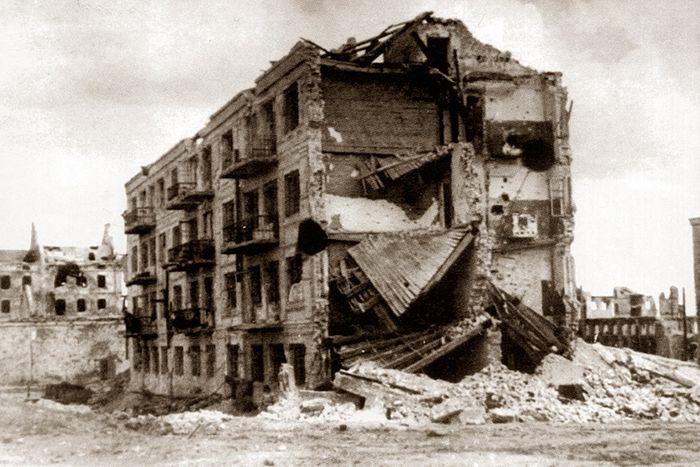 Дом Павлова после Сталинградской битвы