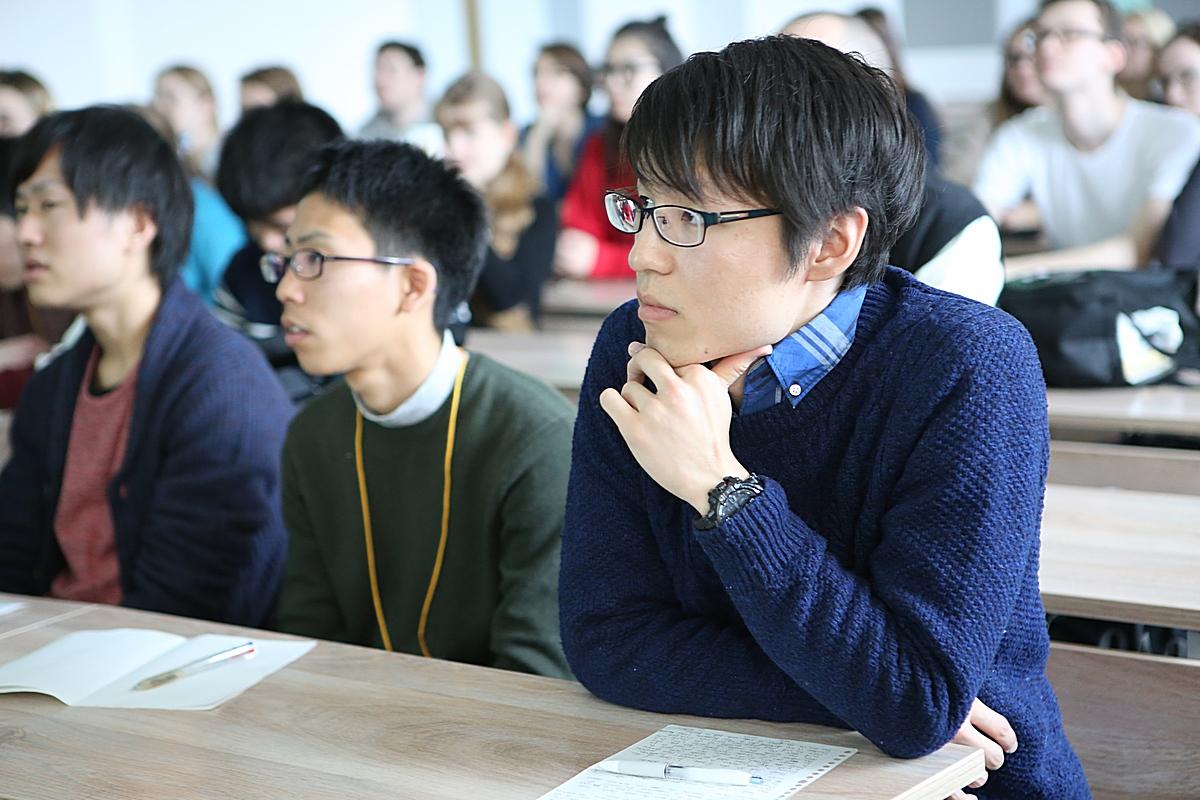 Японские студенты голые