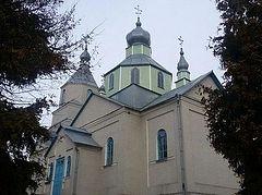 На Тернопольщине верующие УПЦ отстояли право пользоваться своим храмом в суде