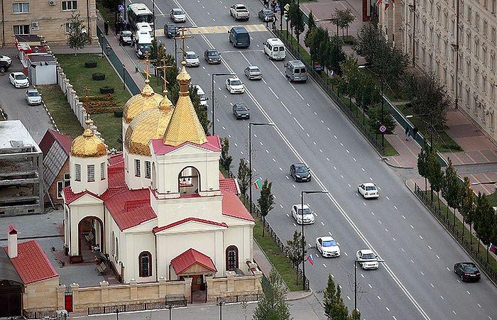 Церковь Архангела Михаила на проспекте Ахмата Кадырова в Грозном. Фото: ТАСС/Сергей Фадеичев