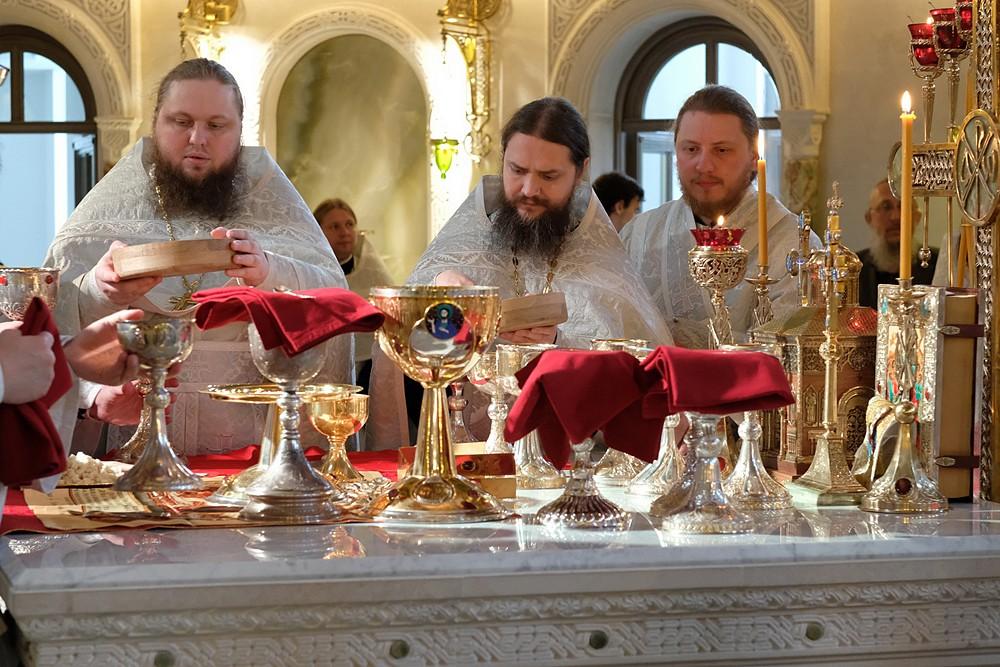 Иеромонахи Силуан и Игнатий