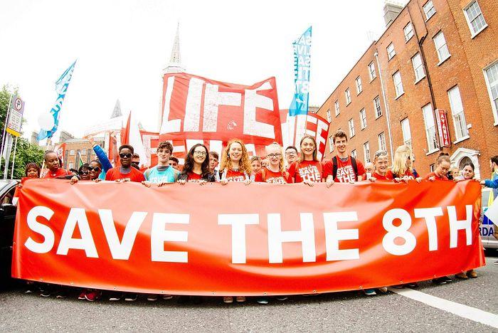 До 90 тысяч человек приняли участие в марше против абортов, который прошел в Дублине 10 марта 2018 г. Фото: Стефен Мак Эллиот