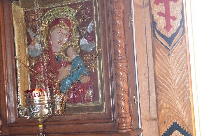 Страстная икона из храма не сгорела в огне