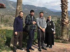 Русские в греческом монастыре в американской Калифорнии