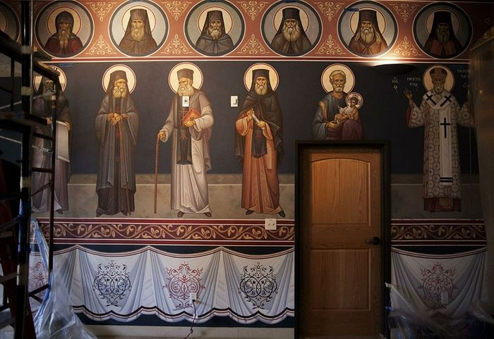 Настенная роспись собора монастыря Живоносный Источник