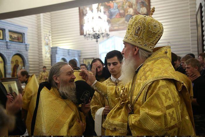 Елеопомазание у митрополита Тобольского и Тюменского Димитрия. Фото: Екатеринбургская епархия