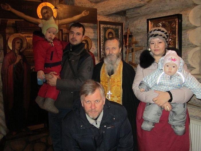 С духовными чадами в Царским храме монастыря, до схимнического пострига