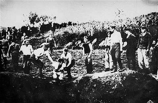 Казнь сербов в лагере Ясиновац. Фото: vk.com