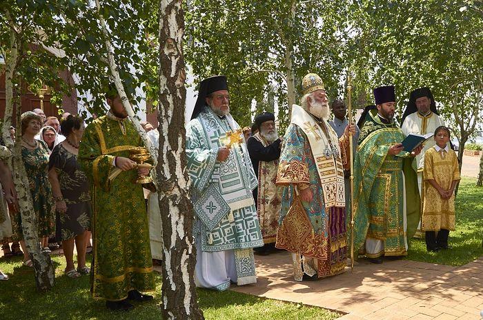 Блаженнейший Папа и Патриарх Александрийский и всея Африки Феодор II возглавляет торжества по случаю престольного праздника Сергиевского храма в Йоханнесбурге